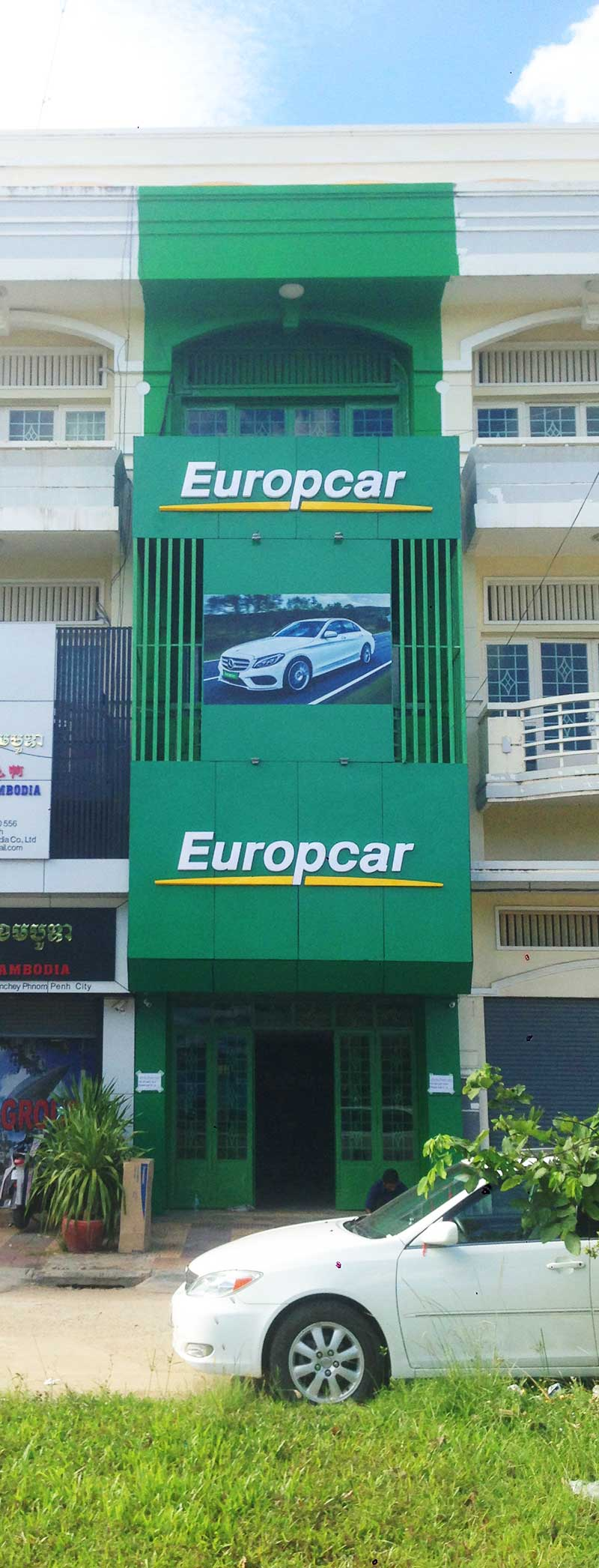 branded-sign-europ-car-by-capital-arts-design (2)